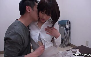 A bill shy Japanese cowgirl Shiori Uehara gets pussy licked added to fucked