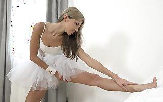 Russian ballerina Gina Gerson's outstanding addiction solo