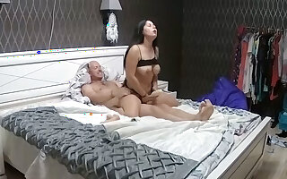 Curvy Young Babe in Underwear Down Strong Man Has Fast Action