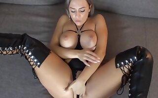 Lilli Vanilli In Hot German Milf Rides Dick