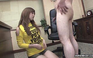 Naughty Japanese hottie spreads limbs to win hairy pussy masturbated