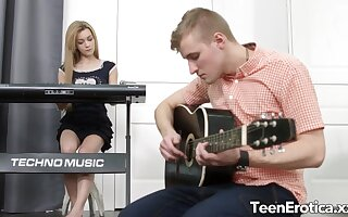 Cock Hungry Teen Musician Sonya Sweet Lures Her Bandmate
