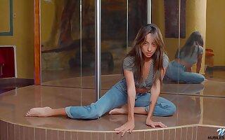 Hot stripping pole dancer Camila Luna enjoys teasing her soaking pussy