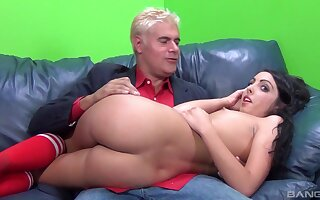 Crispy haired cutie Daiana King gets her sweet pussy pounded