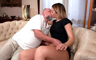 Old man facializes Bianca Booty after eating and fucking her pleasure chink