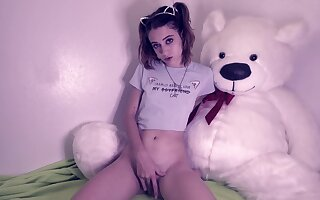 Naomi Dee - Pet my Floccus Pussy