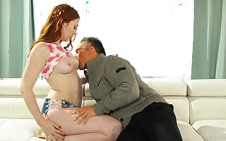 Redhead plant experienced inches in both her holes